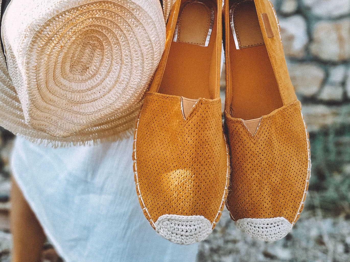Tongs, espadrilles, chaussons
